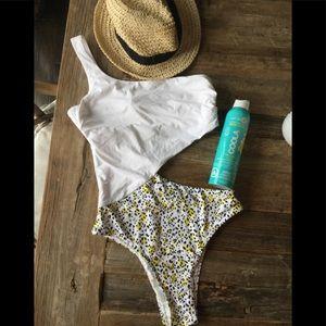 Cikada Australia bathing suit